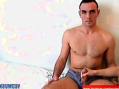 Full video: Suck me handsome athletic guy !