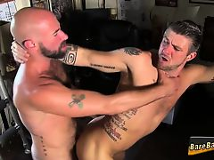 Hairy hunk eats asshole