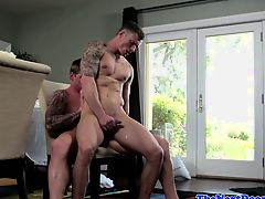 Tattooed muscle barebacking tight stud ass