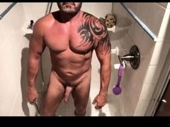 Guys fuck in the shower after gym