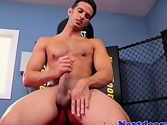 Athletic gaysex stud wanking his cock
