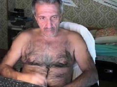 Bearish grandpas macturbates on cam