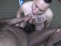 Interracial gays Champ Robinson and Kenny Long hard fuck without condoms