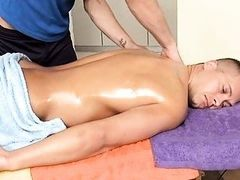 Hunk gets lusty booty fucking during massage